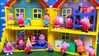 PEPPA PIG STORY - PEPPA PLAYS AT THE MUDDY PUDDLE BUT SOMETHING GOES WRONG AND GETS MULTIPLY