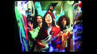 Hearts Hearts - The Fan (feat. OSKA) (Official Video)