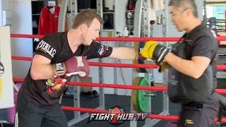 JEFF HORN DROPPING RIGHT HAND BOMBS DURING MITT WORKOUT