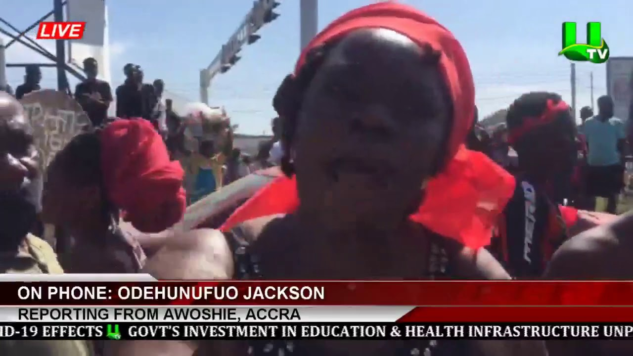 Awoshie Residents demonstrate over faulty traffic lights