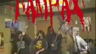 Death Metal français mythique, qui pose finement les problèmes corn...