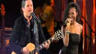 "Alejandro Sanz, Sara Devine & Black Light Gospel Choir ""Looking For Paradise"""