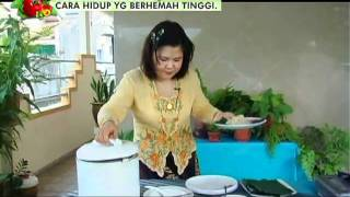 Malaysia's National Delicacy Of Nasi Lemak (coconut Rice)(in Malay)-2