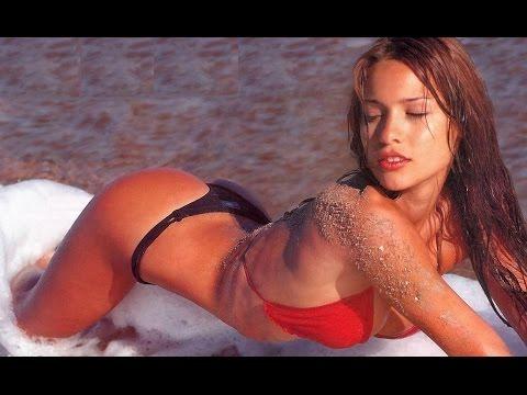 Carolina (Pampita) Ardohain 2016 / Top Model Argentina / Bikinis