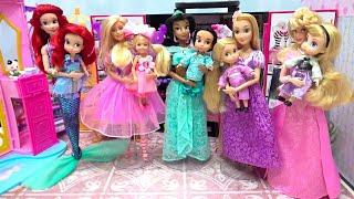 ディズニープリンセスとバービーのお姫様の部屋で 着せ替えごっこ ドレスに大変身ごっこ遊び 人魚アリエル ラプンツェル オーロラ姫 ジャスミン✨ Barbie 海外 おもちゃ 人形 アニメ