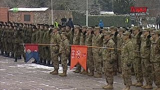 +agaф Oficjalne powitanie ,oтnierzy przybywajµcych na misjЙ wzmocnienia wschodniej flanki NATO