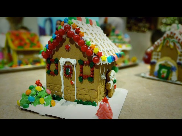Gingerbread house party 2016