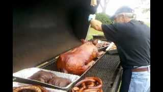 Papa's Bbq And Seafood Pig Roast