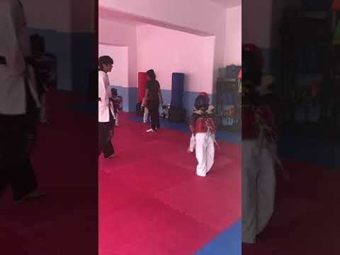 Cris en el Taekwondo parte 2