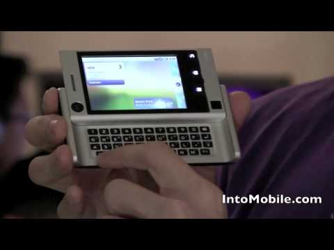 Unboxing the Motorola Devour