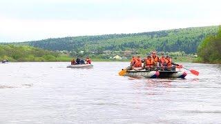 Полпред Холманских сплавляется по Чусовой(Видеоновости РИА