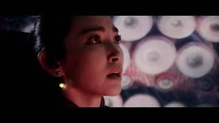 Лысый спасает Китаянку от чудовищ \ Мег: Монстр глубины ( The Meg )