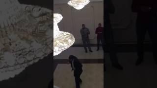 Чеченский придурок на свадьбе