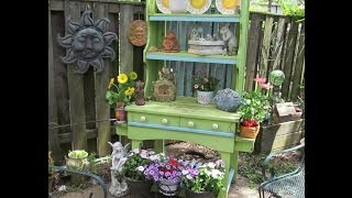 Potting Bench With Hutch