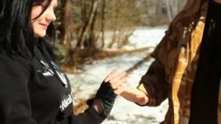 Болевые приемы на пальцы (девушка научилась за 5 минут!)