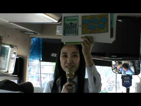 Hướng dẫn viên hoạt náo trên xe.10.6.2012