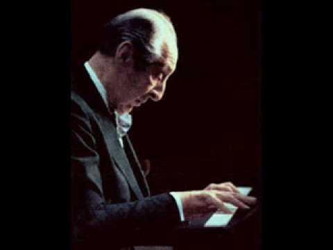 """Vladimir Horowitz plays Chopin's """"Raindrop"""" Prelude in D flat Major, Op.28 No.15"""