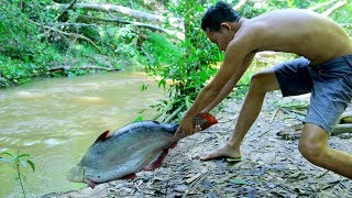 Primitive Cooking Roaster Biggest Fish (8.5 kg) by Underground - Factory Food   Wilderness Life