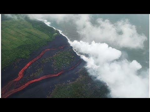 Hawaii volcano: Lave flows into power plant sparking TOXIC GAS release fears