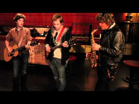 Deer Tick - These Old Shoes (Sleepover Shows)