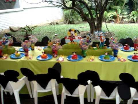 Fiesta disney mikey y sus amigos rincones decoracion mesa - Mesas infantiles disney ...