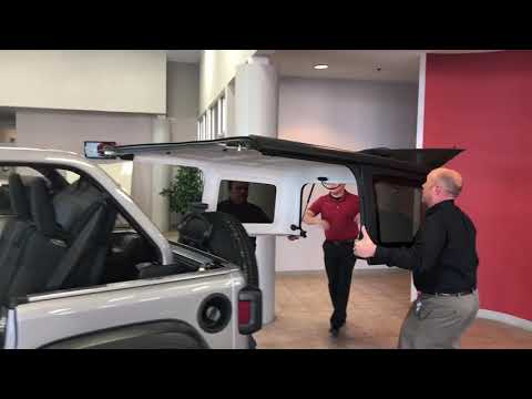 2018 Jeep Wrangler Unlimited JL Door and Hard Top Removal