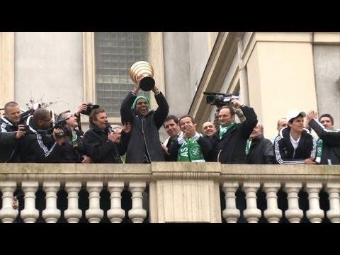 Foot: Saint-Etienne ovationné par ses supporteurs