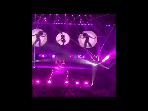 best moments of Ariana Grande Melbourne concert 2017