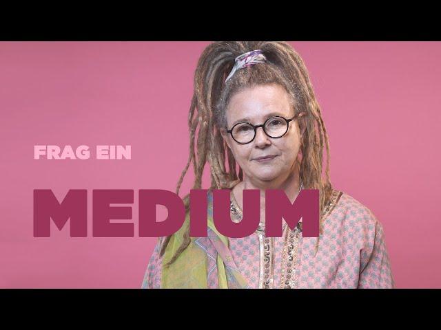 FRAG EIN MEDIUM  Corinne über Rufe aus dem Jenseits