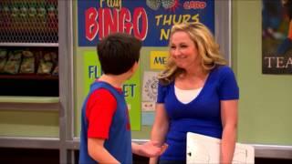 Сериал Disney - Держись,Чарли!  (Сезон 1 эпизод 13) Маленькая помощница