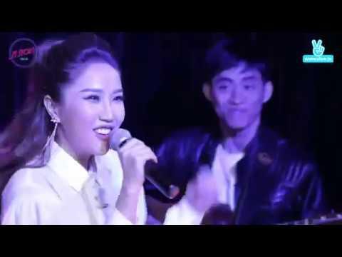 Ngoc Nghech Bao Thy Live