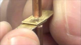 Контактная сварка латунных пластинок аппаратом CD1000DP(Контактная сварка латунных пластинок толщиной 0.76мм. Используется аппарат CD1000DP для точечной микросварки..., 2015-03-18T16:35:46.000Z)