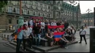 Համբուրգի մի խումբ հայեր պահանջում են Սերժ Սրարգսյանի հրաժարականը
