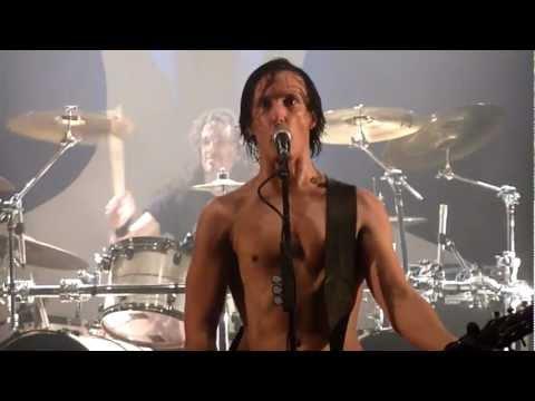 GOJIRA - Mario on guitar & Joe on drums + Oroborus live Biarritz 30-11-2012