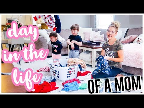 DAY IN THE LIFE OF A MOM VLOG | STAY AT HOME MOM ROUTINE AND CLEANING MOTIVATION 2019