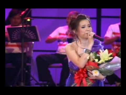 Jumpa Muang Lao Lady