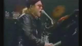 Elton John - One Horse Town live 1977