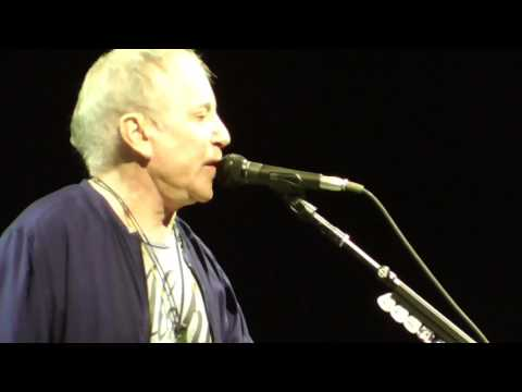 2017.6.30. Paul Simon in Milwaukee, WI (long, poor quality excerpts for memories).