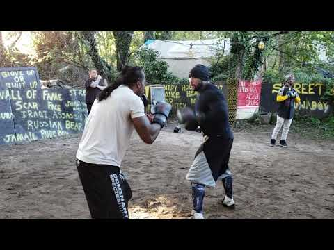 King leo and mighty mouse yard boxing,  streetbeefs.