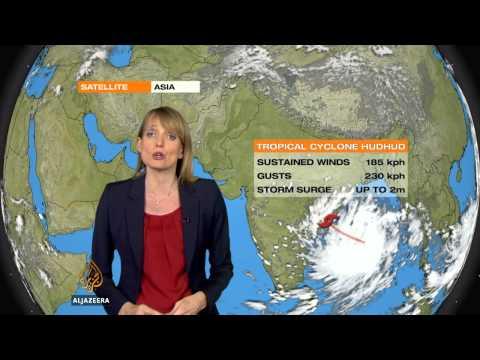 Cyclone Hudhud heads to southeastern India