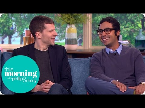 Jesse Eisenburg And Kunal Nayyar Talk Throwing Up On Stage And ...