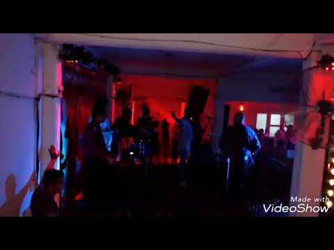Ivan Emiliano y su banda