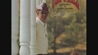 Watch Tom T Hall Nashville Is A Groovy Little Town video