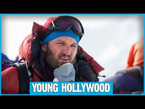 EVEREST Star Jason Clarke on Beards, Bonding, & Jake Gyllenhaal!