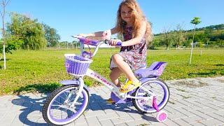 Melissa invata sa mearga pe Bicicleta !