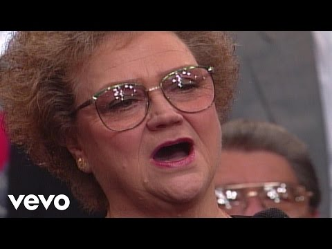 Bill & Gloria Gaither - God On the Mountain [Live] ft. Lily Weatherford