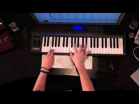 Funkagenda In The studio -  How to write house chords with Korg M1 Piano