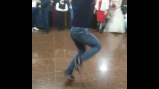Четко танцует лезгинку Чечня