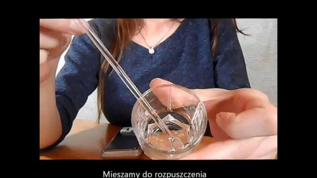 Jak zrobić skuteczny tonik na trądzik w domu