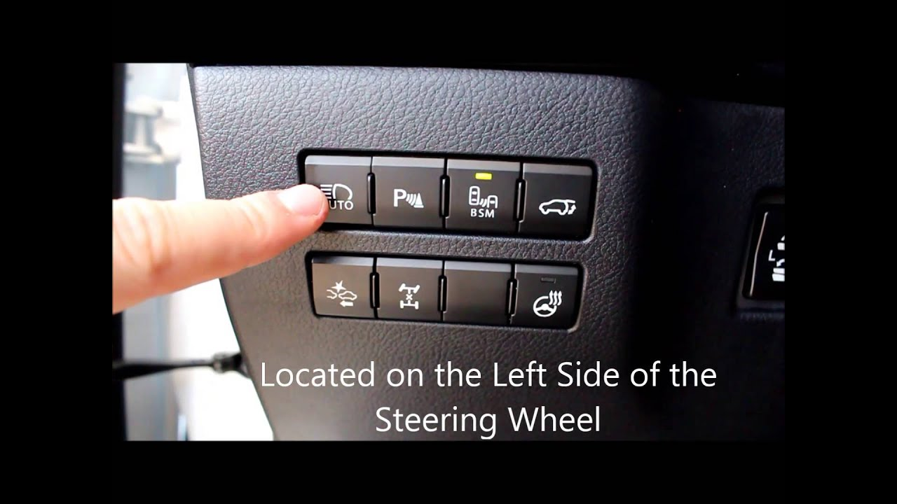 2016 Lexus NX HUD and buttons on the left side of the steeringwheel